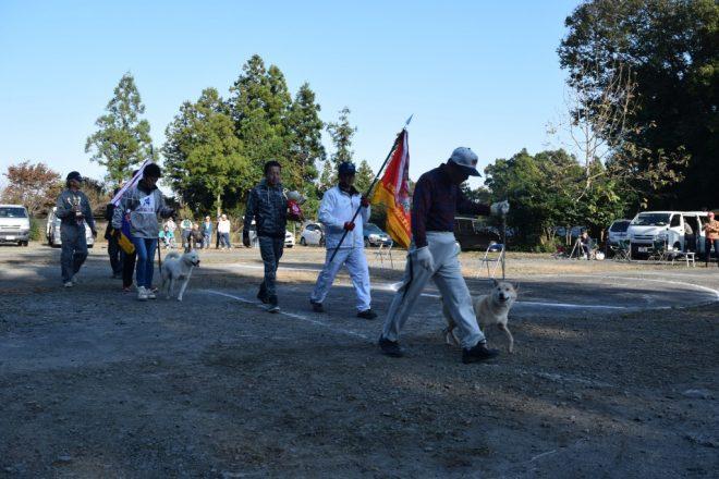 全犬優勝パレード